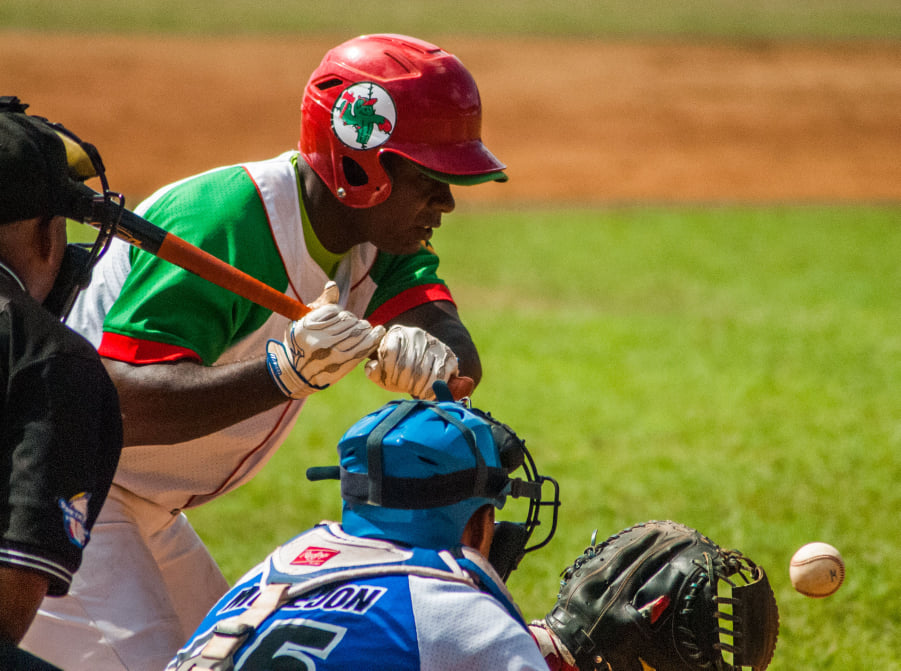 Possible alternatives for the competition format of the 60th Baseball Series are being analyzed