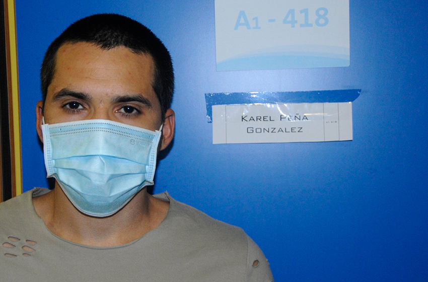 Karel Peña González is 31 years old, is a doctor, a specialist in Anesthesiology and Reanimation