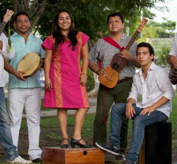 Musical group Los Pachamama